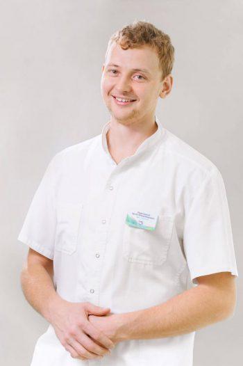 Стоматолог в Воронеже. Имплантация зубов